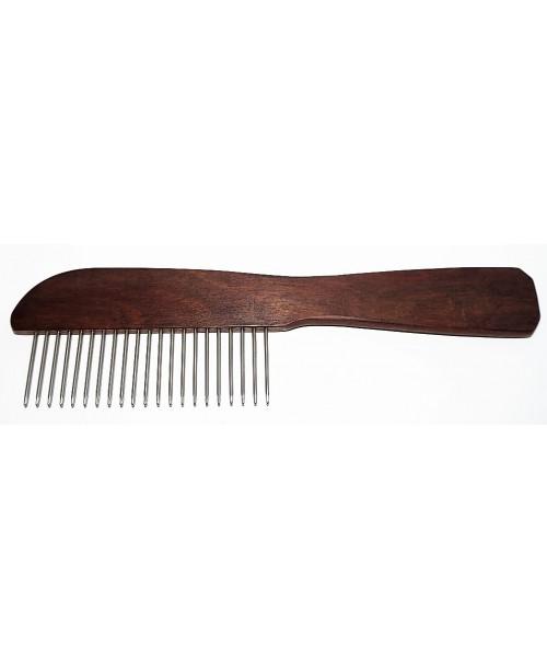 Šukos su medine rankena ir trumpesniais dantukais